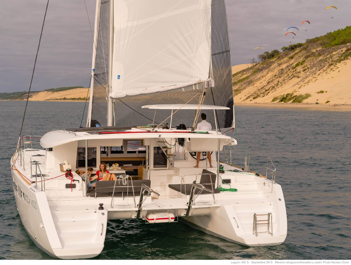 Yacht Charter investor, Lagoon 42 and Lagoon 450