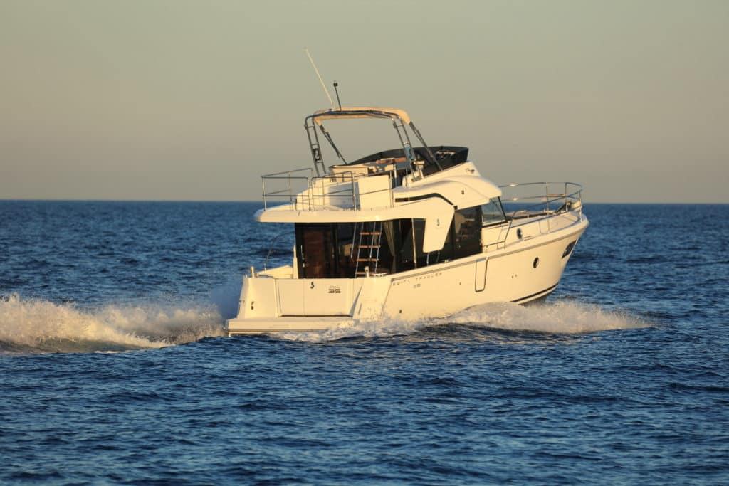 Swift Trawler 35 exterio