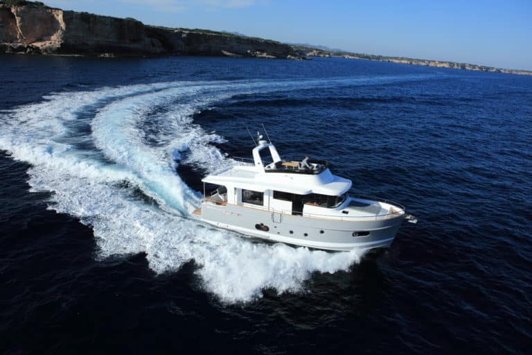 Swift Trawler 50 exterior