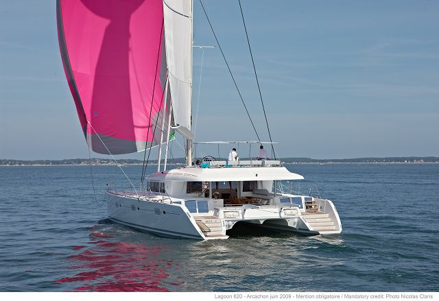 Private owner Lagoon 620