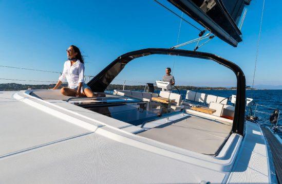 Oceanis Yacht 62 exterior